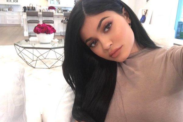Kylie Jenner shares photos of stormi webster