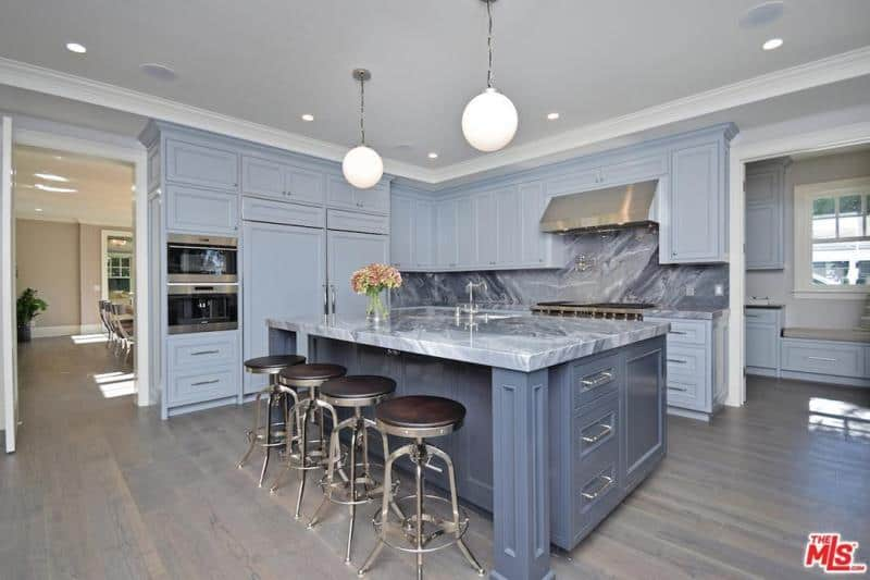 Kyle Richards and Mauricio Umansky home kitchen