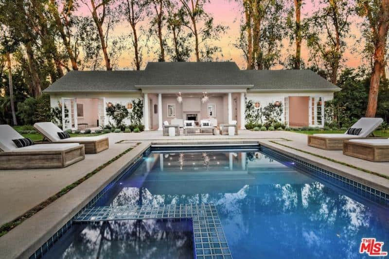 kyle richards home swimming pool