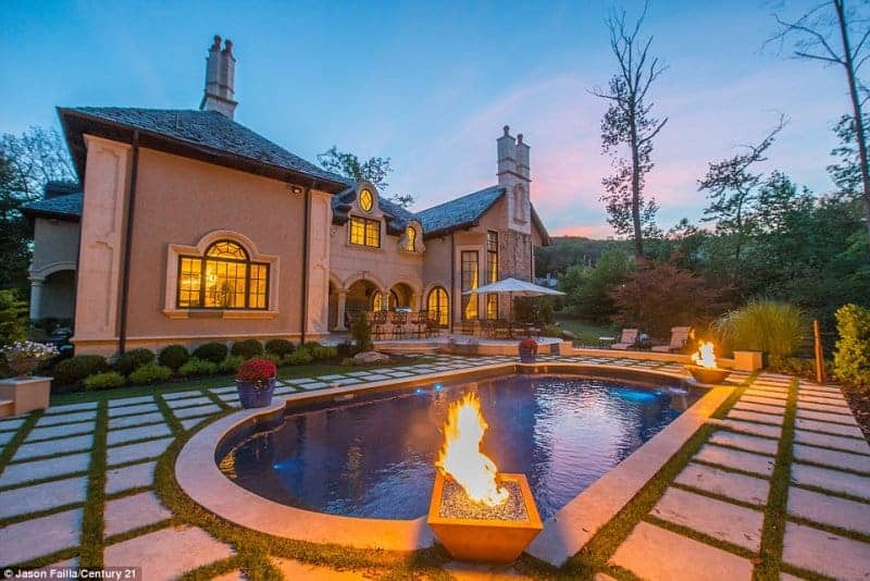 melissa gorga home backyard pool 2