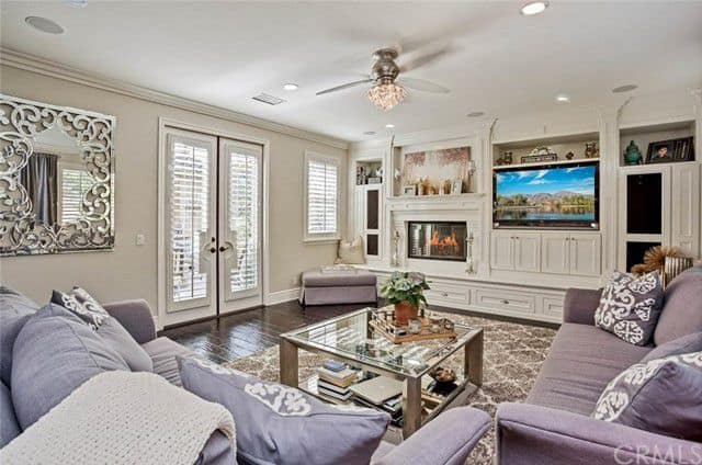 tamra judge home for rent living room