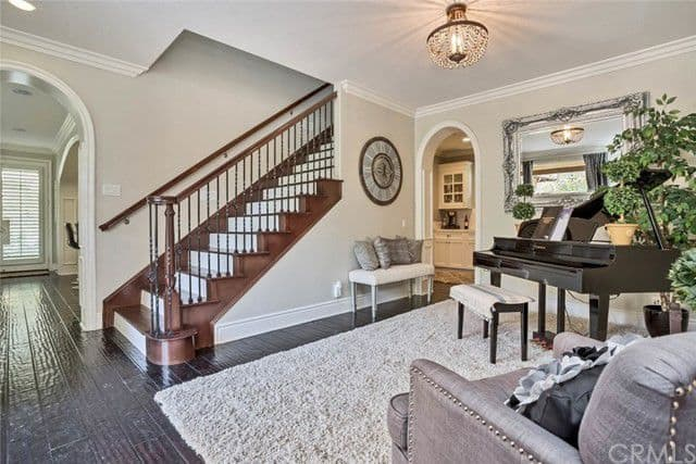 tamra judge home for rent stairs