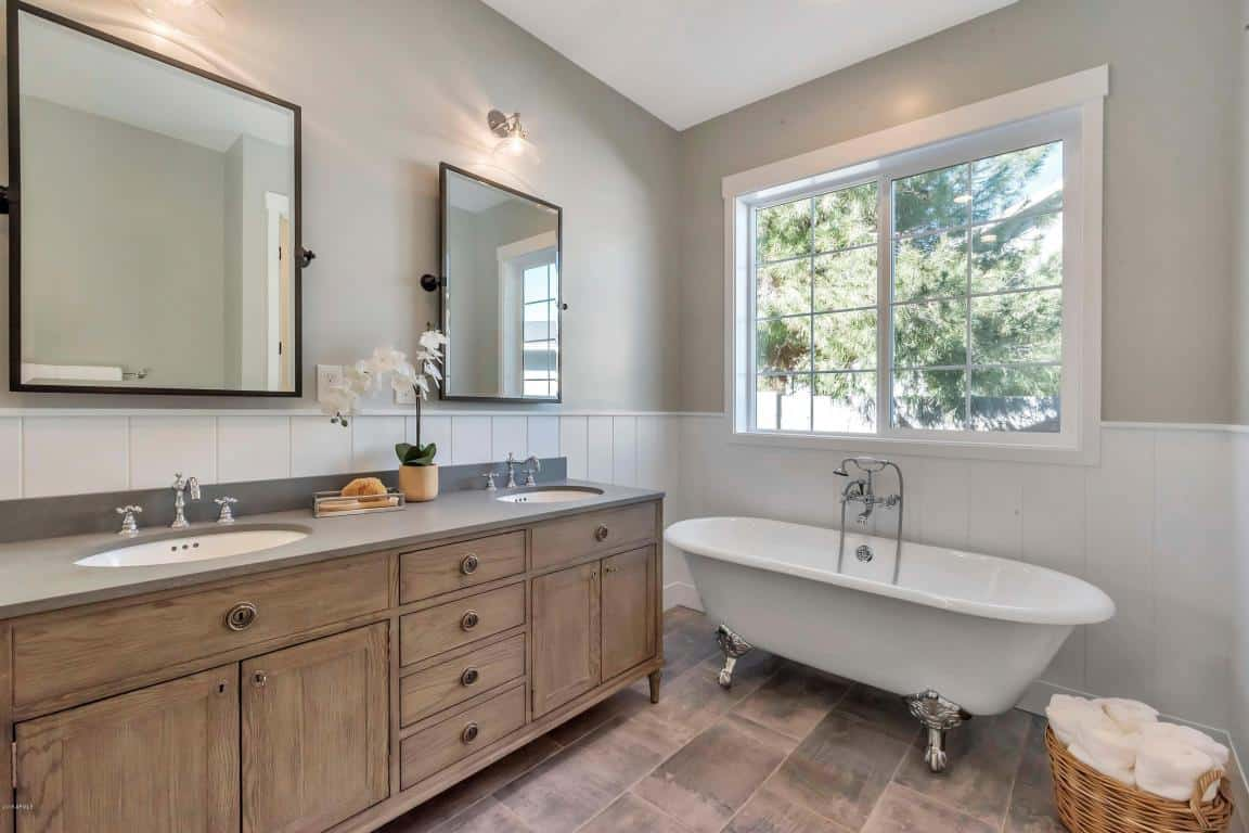 Bachelor Arie and Lauren New Home Bathroom