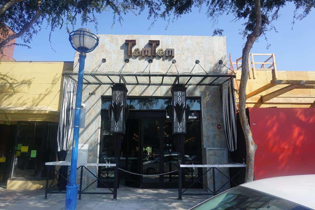 TomTom bar exterior