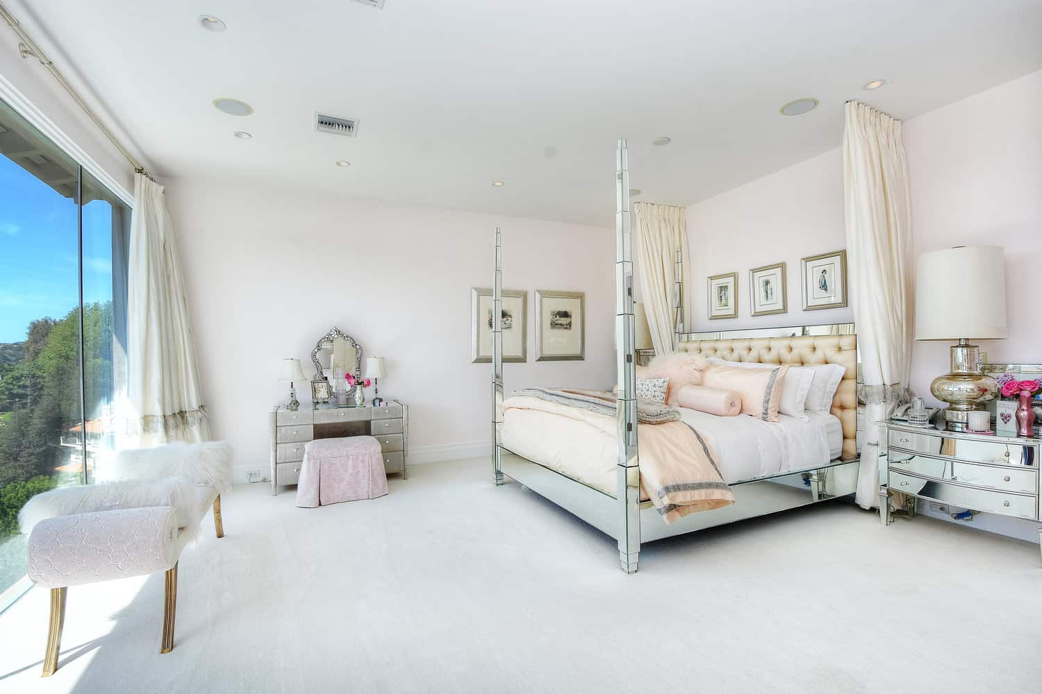 Lisa Vanderpump Villa Rosa Bedroom