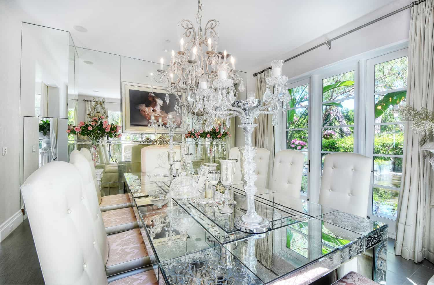 Lisa Vanderpump Villa Rosa Dining Room