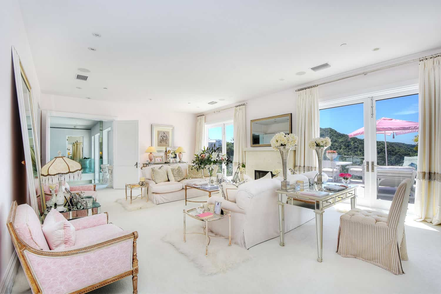 Lisa Vanderpump Villa Rosa Family Room