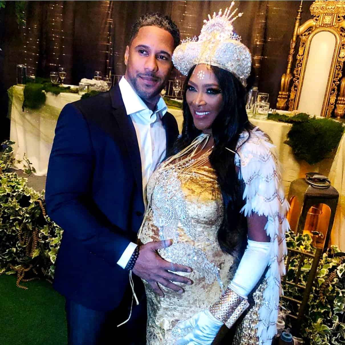 Kenya Moore gives birth