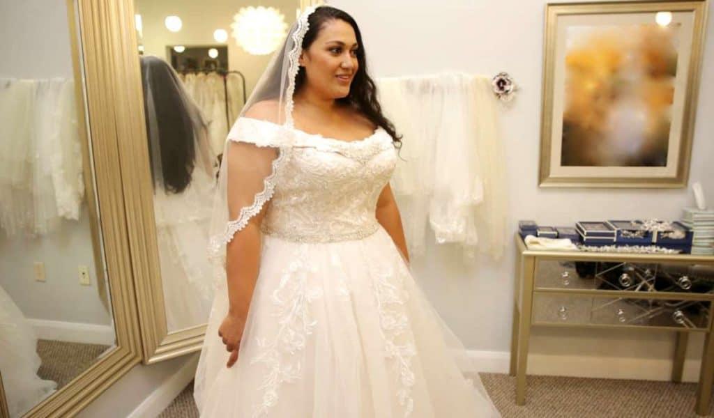 90 Day Fiance Ready to Run Recap - Kalani tries on wedding dress