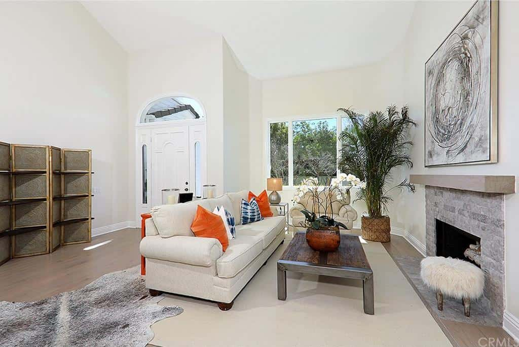 Shannon Beador Rental Home Photos Living Room
