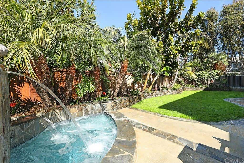 Shannon Beador Rental Home Photos Waterfalls Backyard