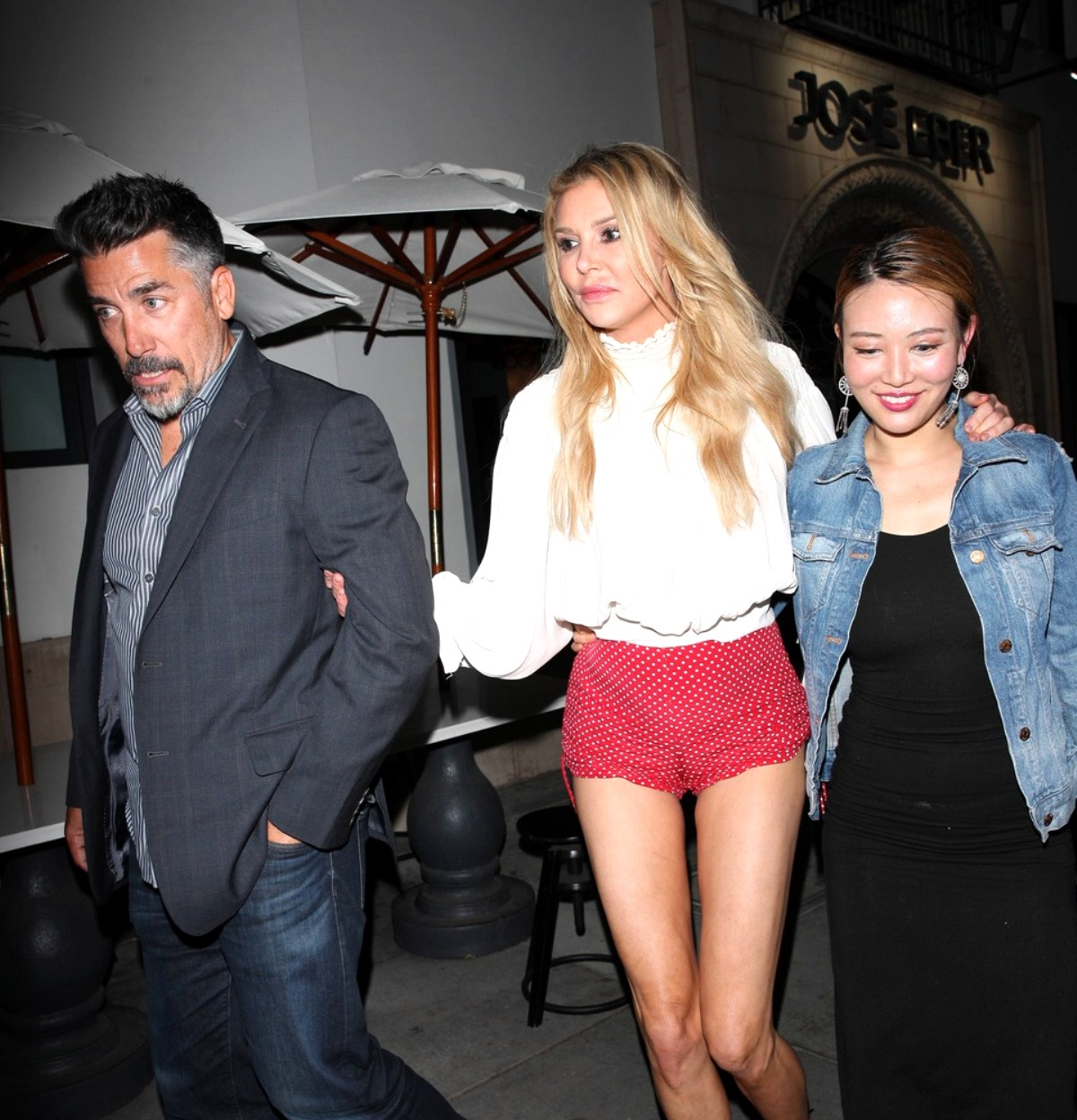 "RHOBH's Brandi Glanville Admits She's ""Sad and Ashamed"" After She's Photographed Stumbling Out of Club, See the Shocking Pics"
