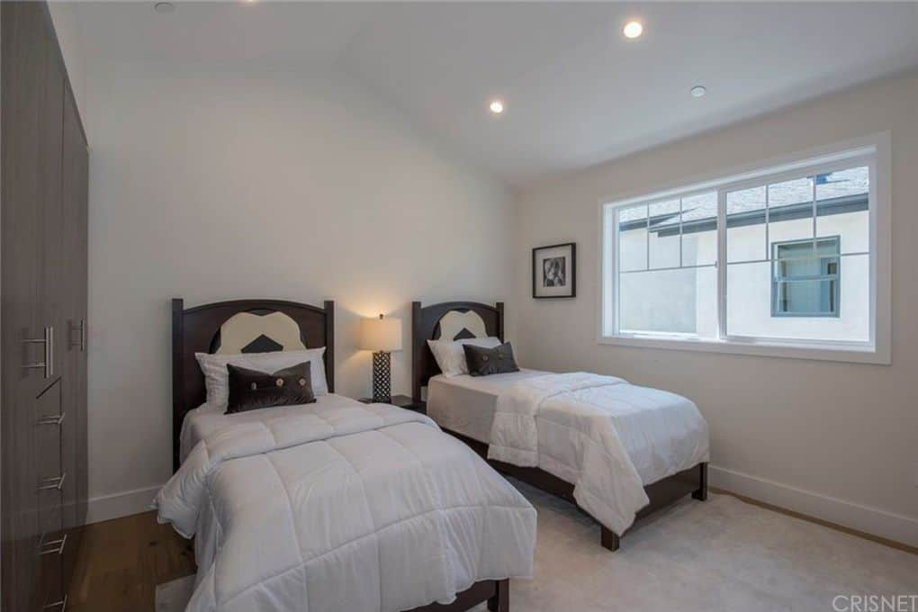 Vanderpump Rules Jax Taylor and Brittany Cartwright New Home Guest Bedroom 2