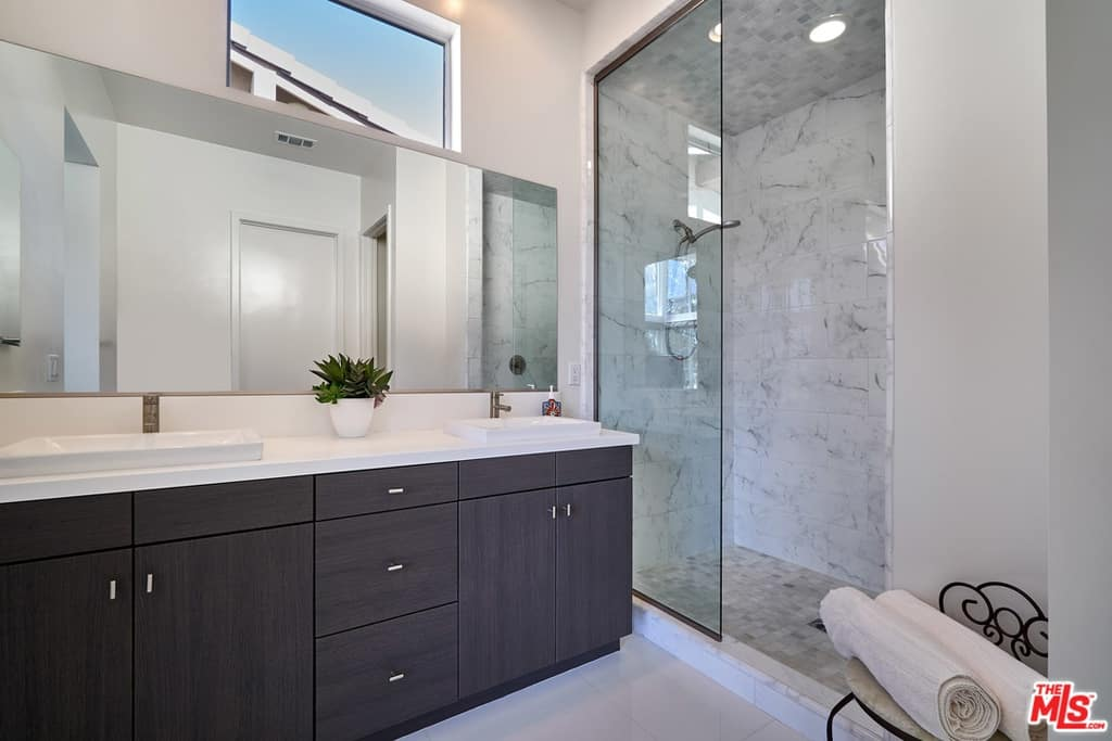 Scheana Marie Home Bathroom