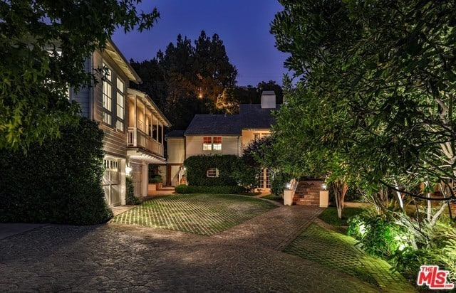 RHOBH Camille Grammer House Exterior