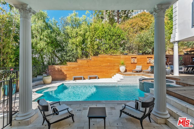 RHOBH Dorit Kemsley Backyard