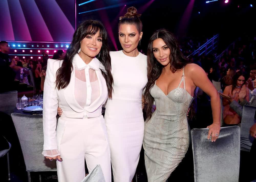 Kyle Richards Lisa Rinna Kim Kardashian Attend the E Peoples Choice Awards