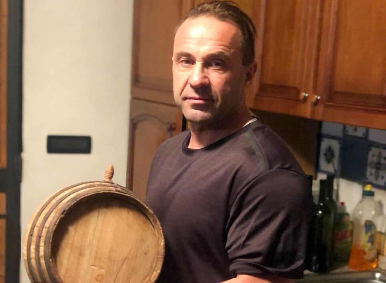 "Joe Giudice Posts Instagram Video of Dancing Girls in Bikinis, Daughters Have ""No Plans"" to Visit"