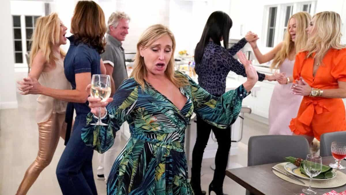 RHONY Recap: Sonja, Tinsley and Leah Enjoy a Boozy Wild Night in the Hamptons!