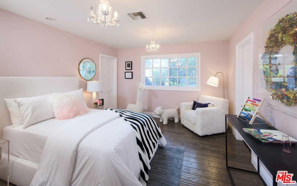 Kyle Richards Mauricio Bel Air home photos guest bedroom