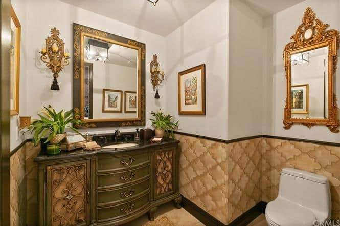RHOC Vicki Gunvalson Bathroom
