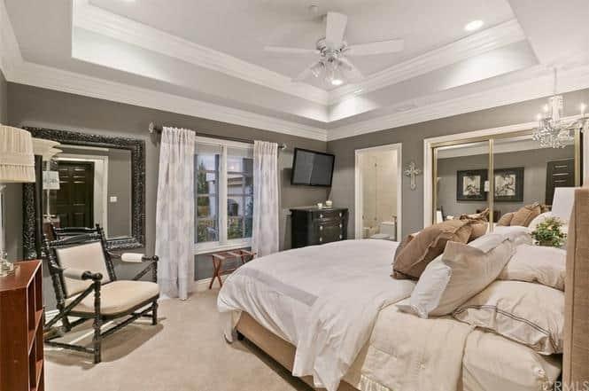 RHOC Vicki Gunvalson Bedroom