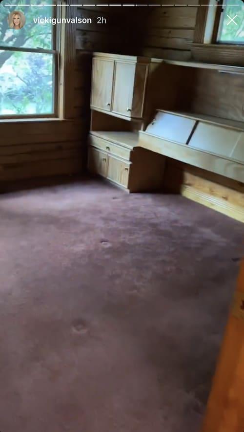 RHOC Vicki Gunvalson Lake House Bedroom