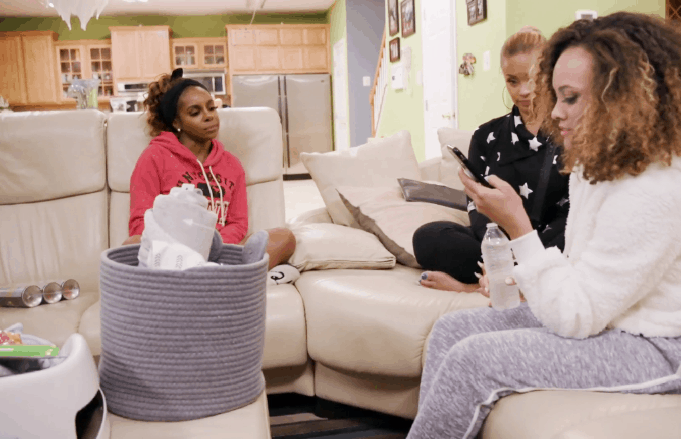 RHOP Recap: Gizelle and Candiace Tell Ashley About The Texts! Monique and Ashley Butt Heads!
