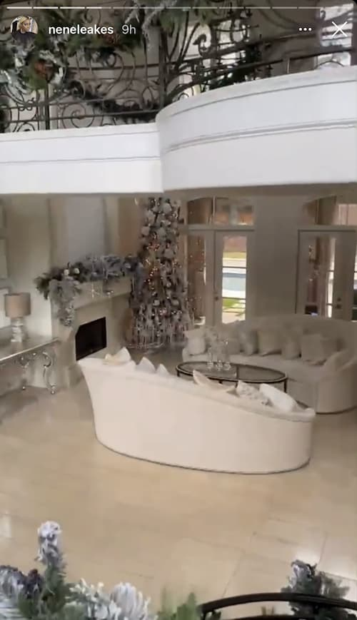 RHOA Nene Leakes Living Room With Christmas Decorations