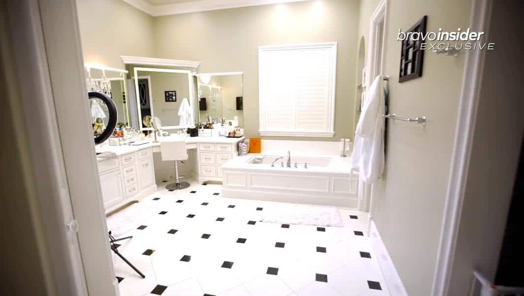RHOD Tiffany Moon home bathroom