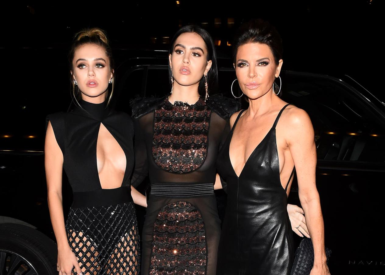 """RHOBH Star Lisa Rinna Reveals """"Fabulous"""" Daughters Delilah and Amelia Hamlin Are Collaborating With Rinna Beauty, Will The Models Launch Their Own Beauty Brand?"""