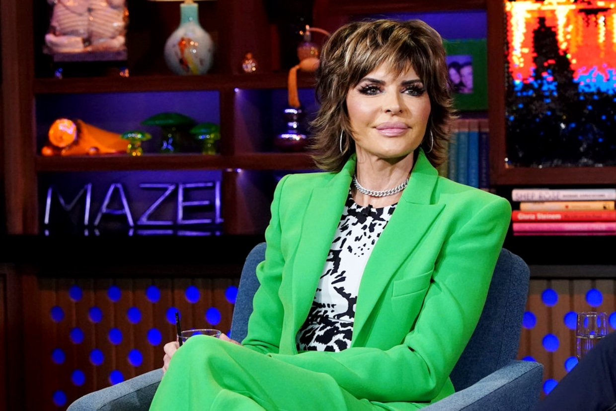 """RHOBH Star Lisa Rinna Alleges She Was """"Set Up"""" By Paparazzi Agency Suing Her For $1.2 Million In Federal Lawsuit"""